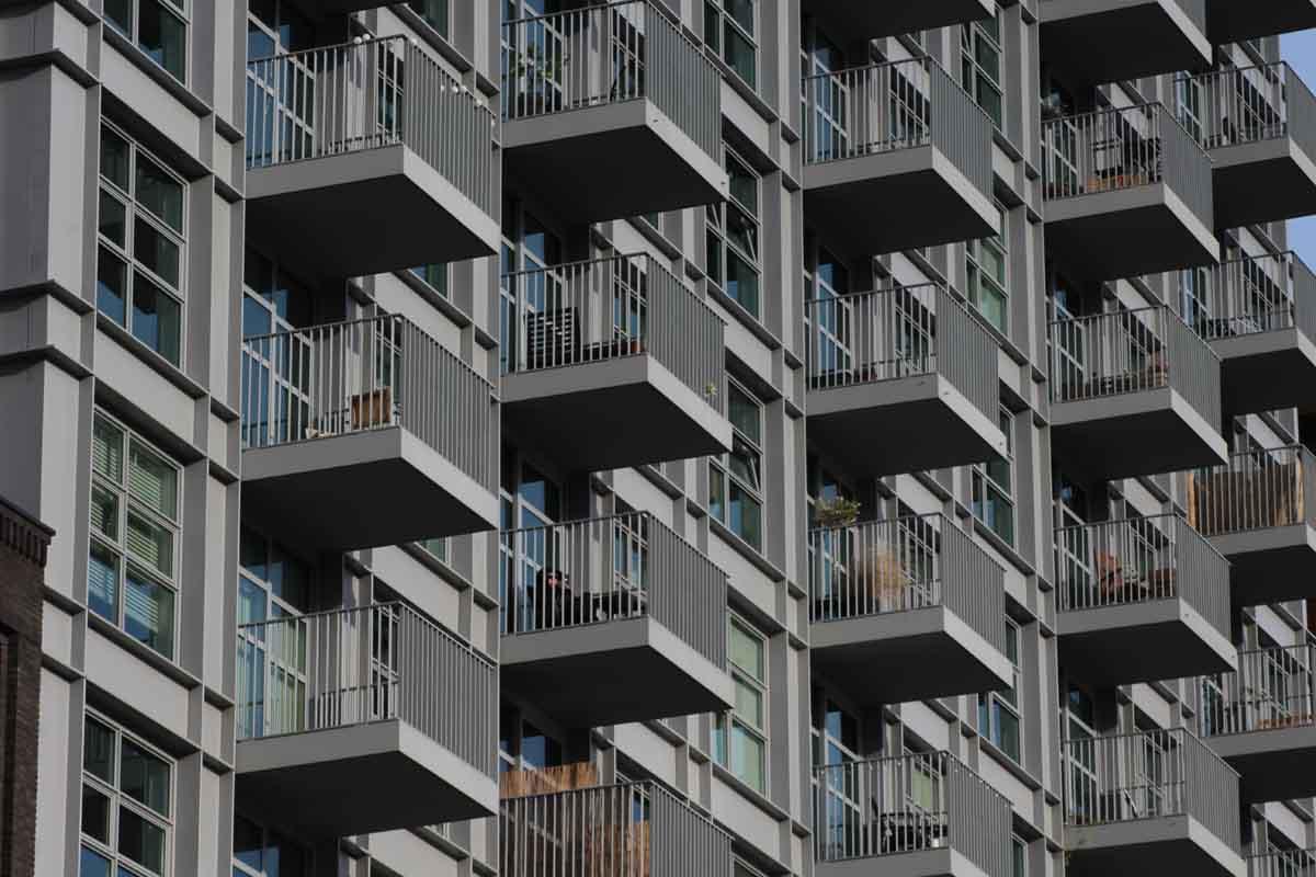 Schlichte Architektur in Amsterdam Noord